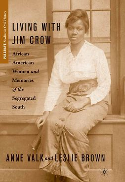 Brown, Leslie - Living with Jim Crow, e-kirja